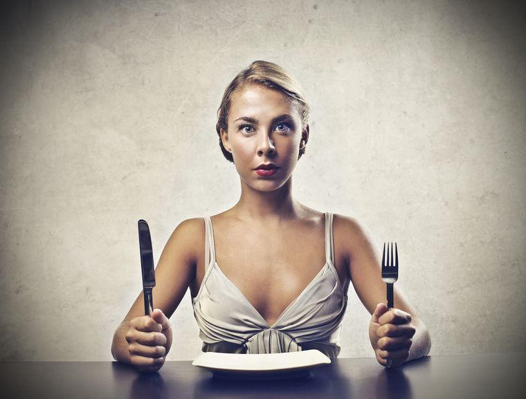 голодная девушка