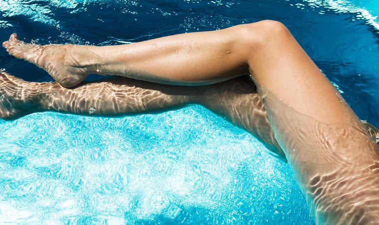 ноги в бронзере