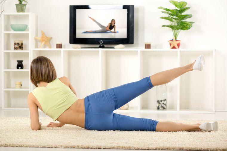 упражнения перед телевизором