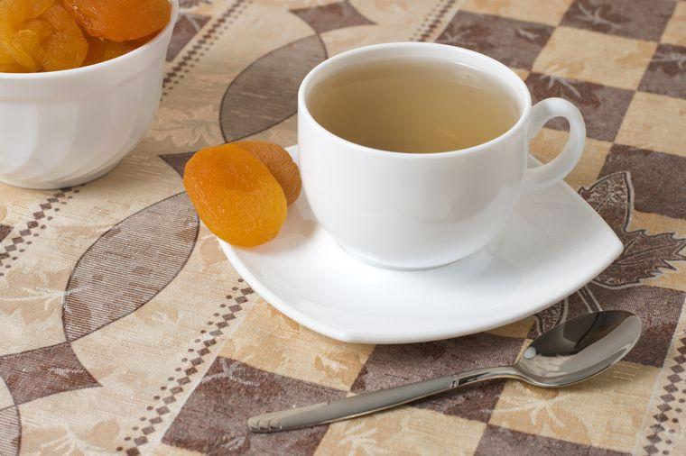 зеленый чай с курагой