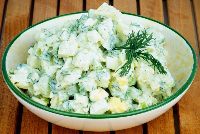 салат из огурца с яйцом