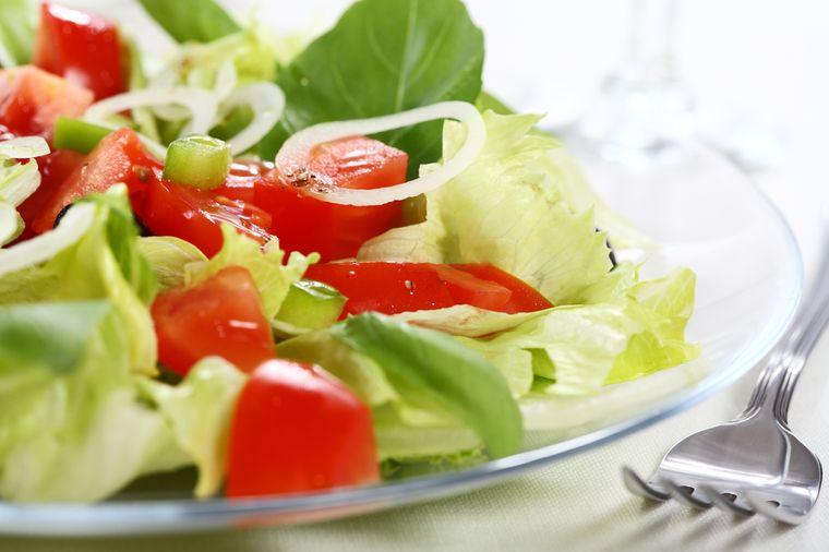 салат из томатов и перцев