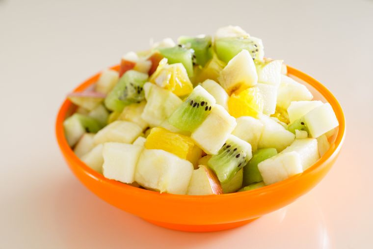 салат из яблок и ананаса