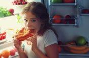15 худших продуктов для употребления перед сном