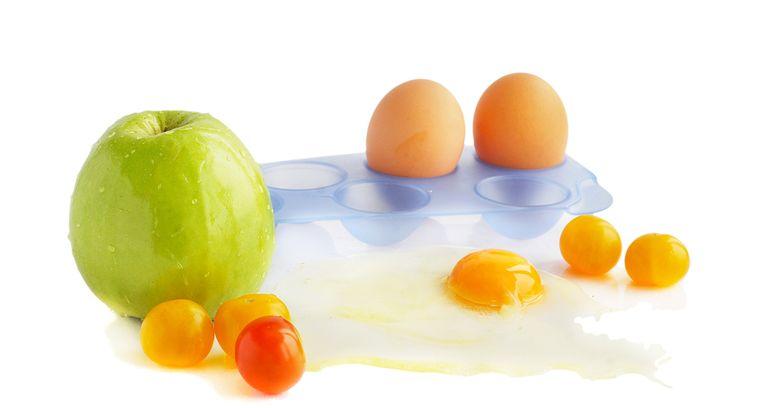 яблоко и яйца