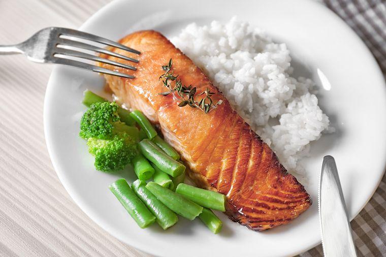 рыба рис и овощи
