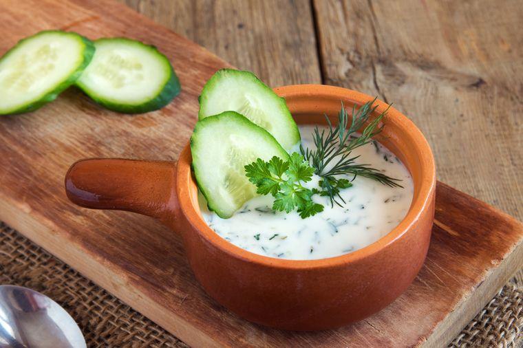 йогуртовый суп с огурцом