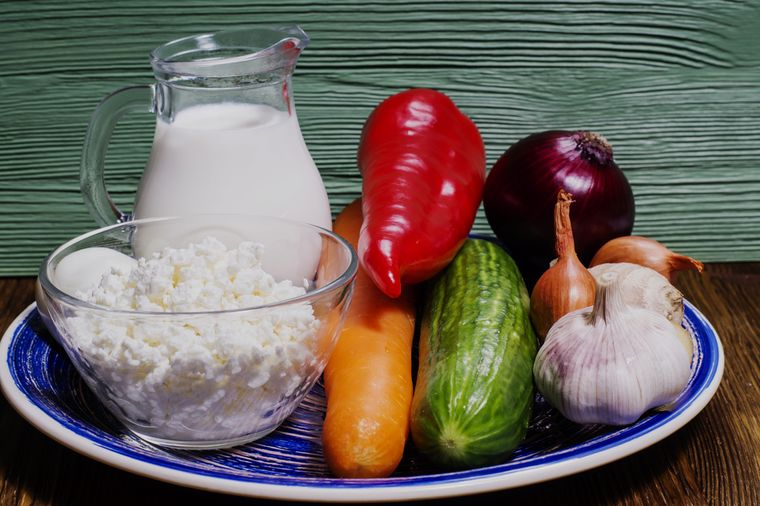 творог, кефир и овощи