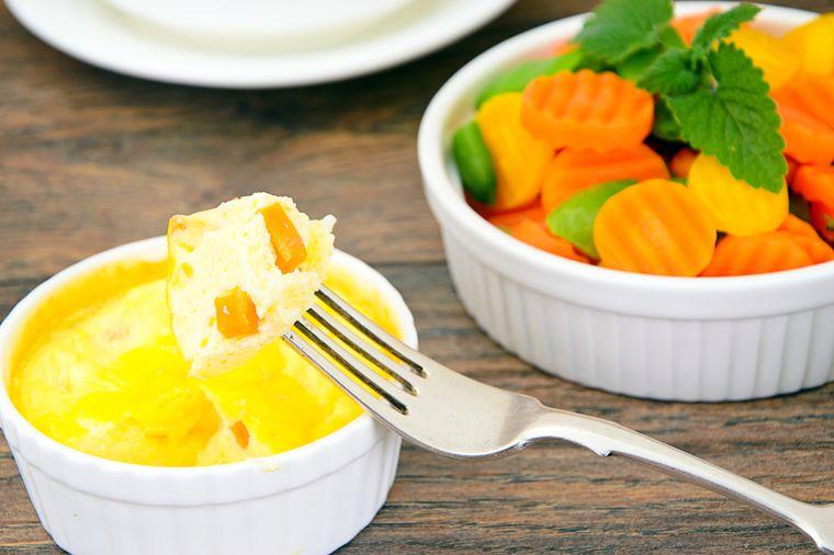 омлет и морковь