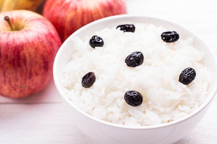 рис с яблоками и черносливом