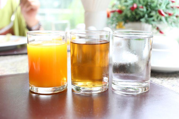 соки и вода