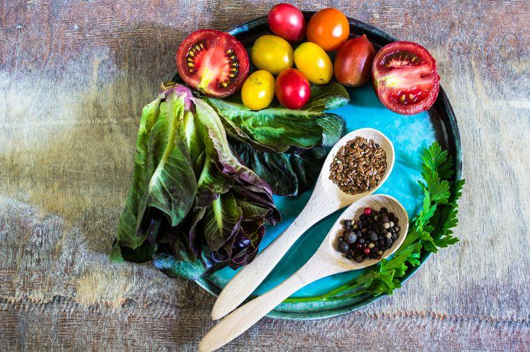 льняное семя с овощами