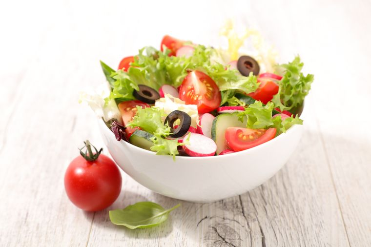 салат из сельдерея с овощами