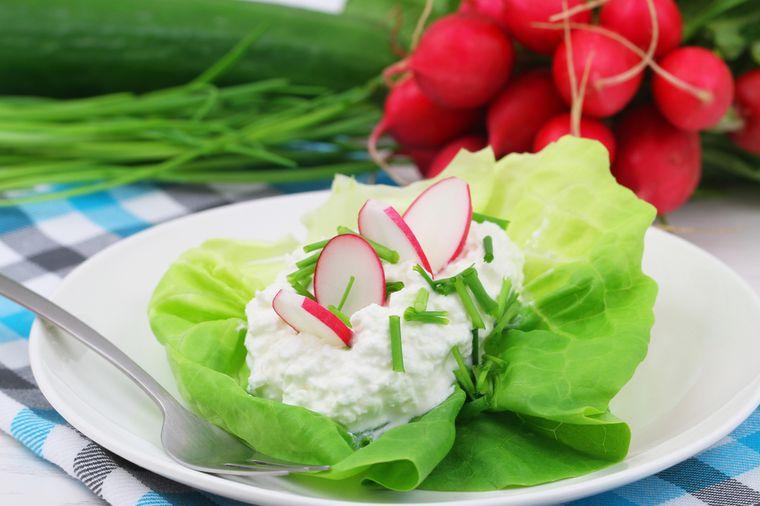 мягкий сыр с овощами