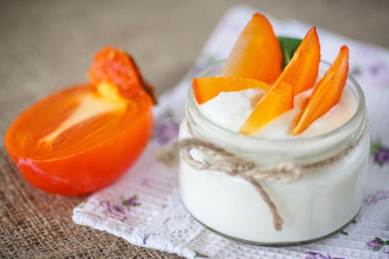 хурма с йогуртом