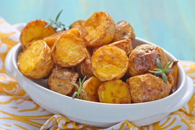 картофель запеченный с травами