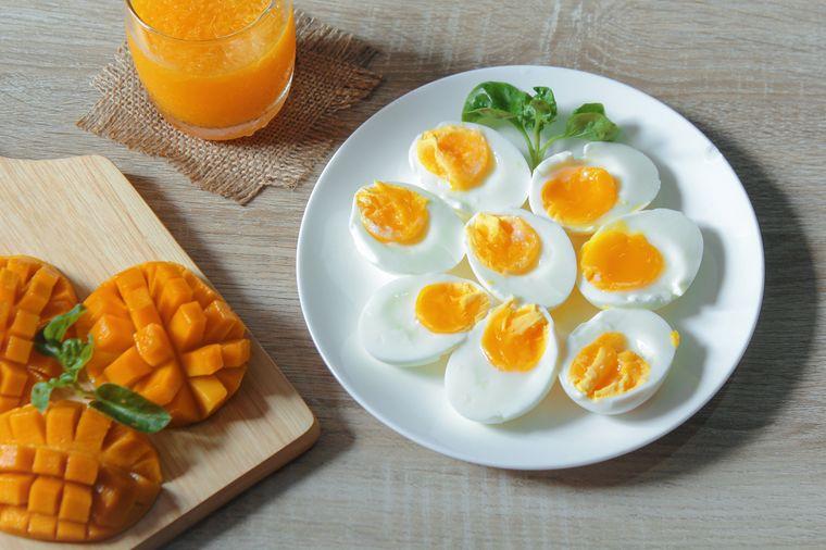 манго и яйца