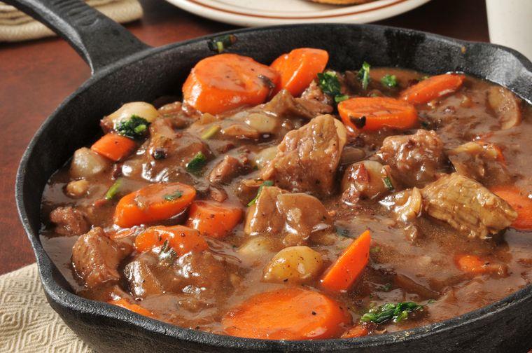 мясо в соусе с овощами