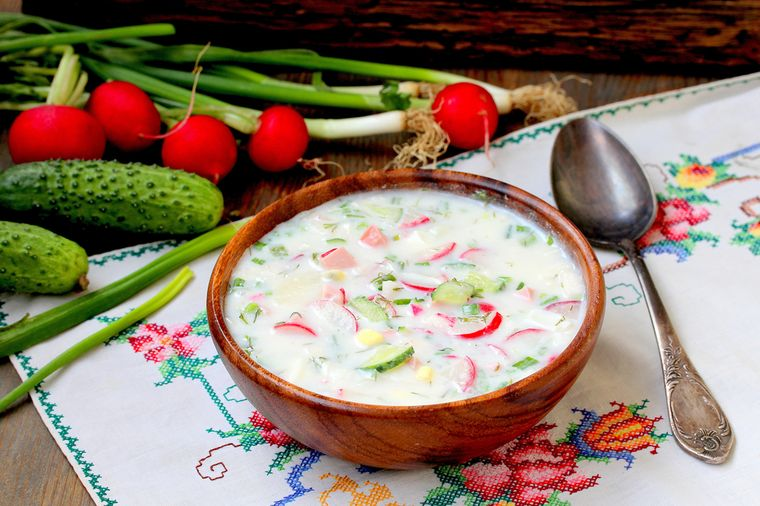 салат из огурцов и редиса с йогуртом