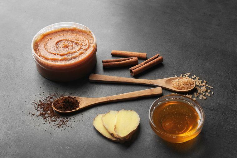 скраб с медом и имбирем
