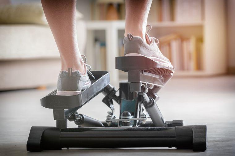 Степпер для похудения: полезные свойства, как заниматься, отзывы - минус 4 кг легко