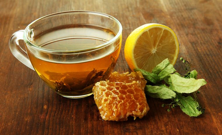 зеленый чай с медом и лимоном