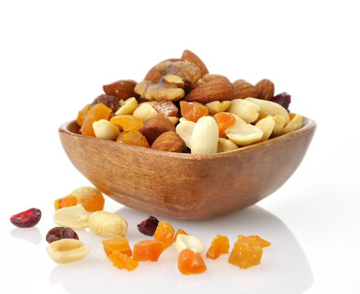 орехи с сухофруктами