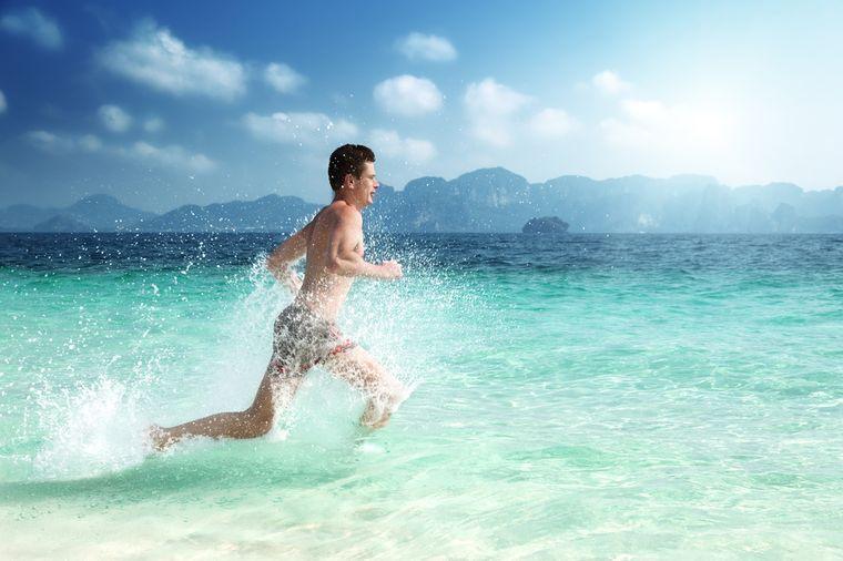 бег в воде