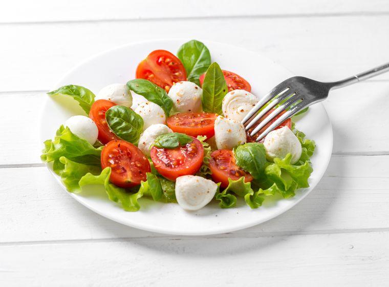 салат со шпинатом и фетой