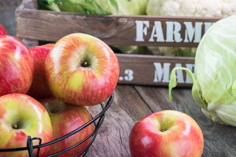 капуста и яблоки