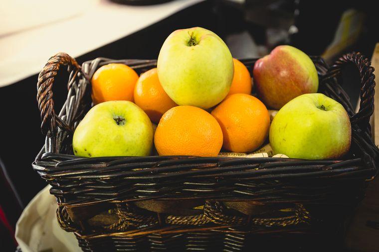 яблоки и апельсины