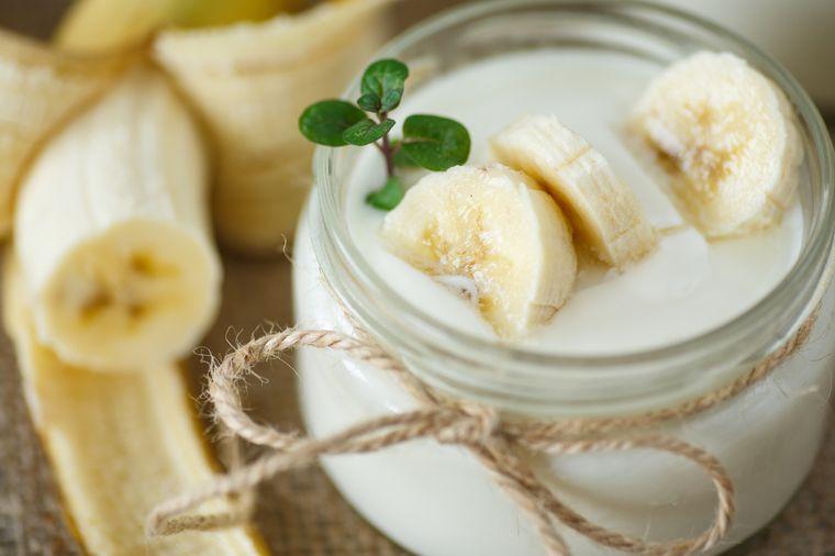 йогурт с бананом