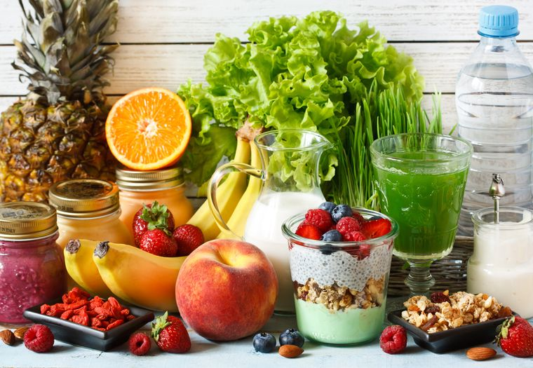 фрукты, овощи и йогурт