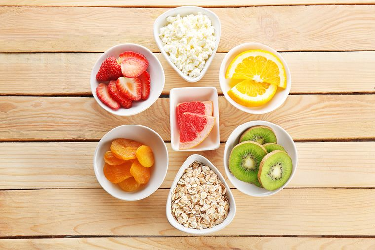 фрукты, творог, злаки