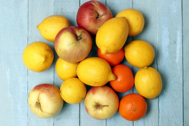 лимоны и яблоки