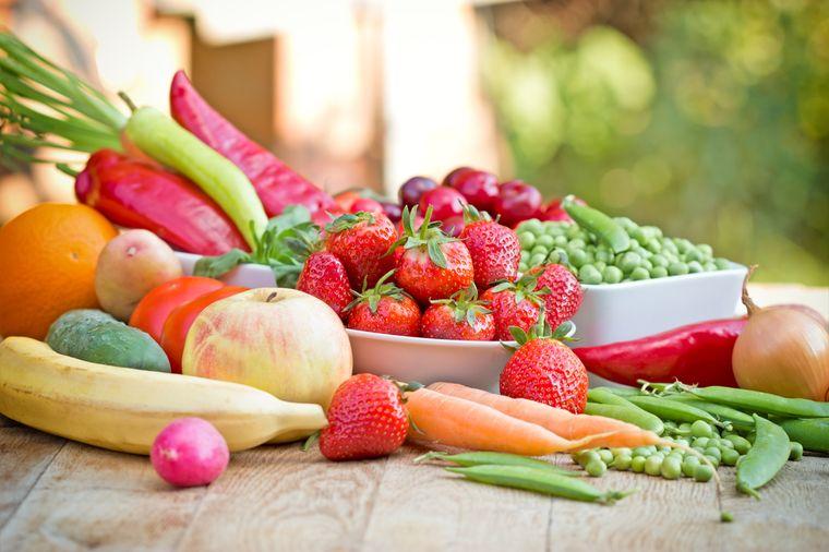 сезонные овощи и фрукты