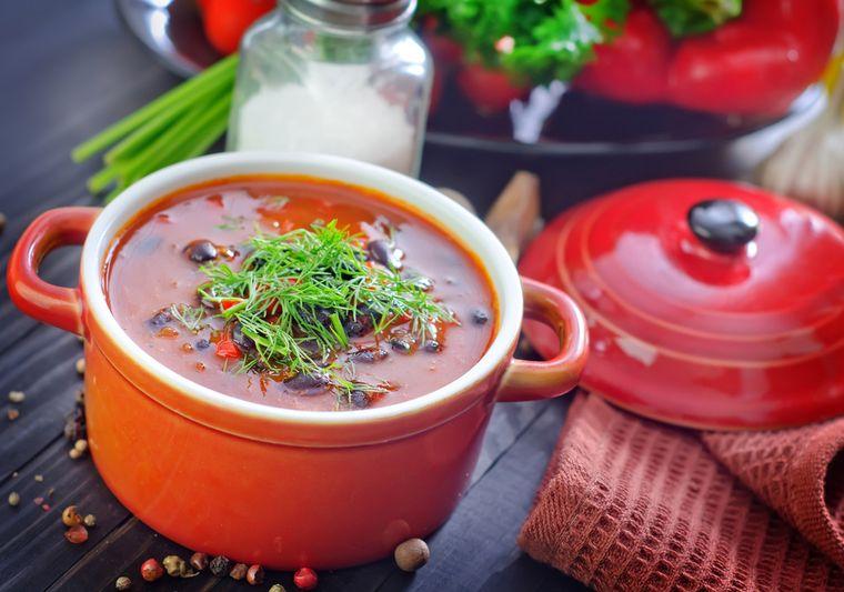 бобовый суп с зеленью