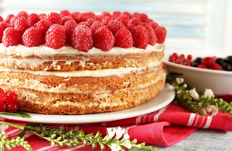 домашний торт с ягодами