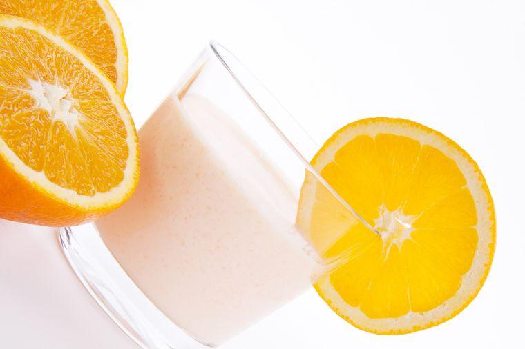 йогурт и апельсин
