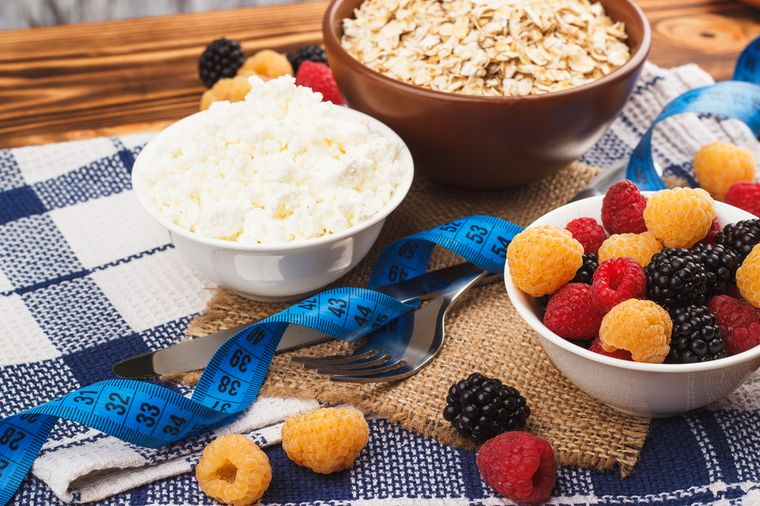 oatmeal, cottage cheese and fruits