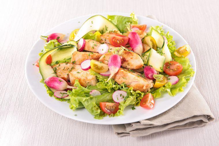 салат из курицы с кабачком