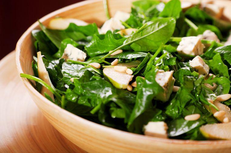 салат с сыром и шпинатом