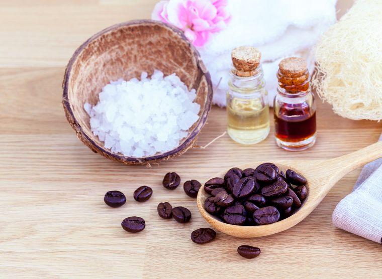 скраб с солью и кофе